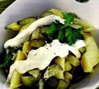 Salata de cartofi cu sos de branza
