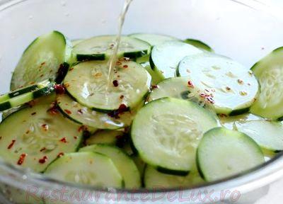 Salata de castraveti cu lamaie