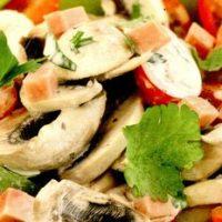 Salata cu ciuperci si ridichi
