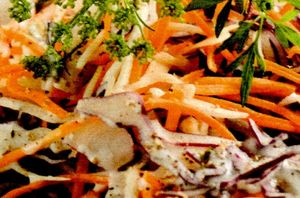 Salata de cruditati cu sos vigneta