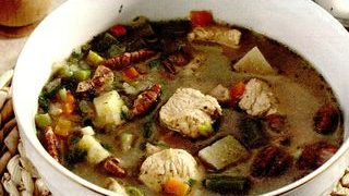 Supa de curcan cu nuci pecan