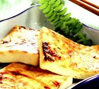 Tofu_la_gratar