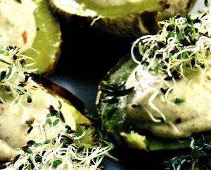 Cartofi umpluti cu tofu si ceapa verde