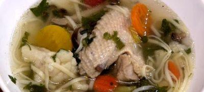 Supa tailandeza de pui