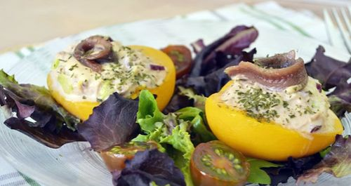 How to Make Easy Tuna-Stuffed Peaches Salad
