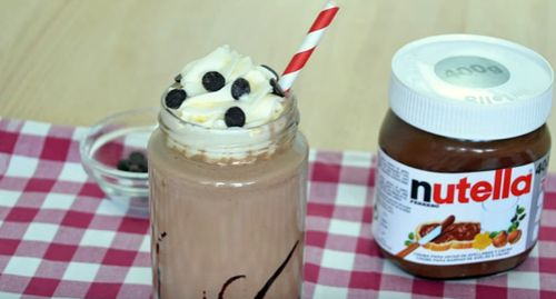 How to Make a Nutella Milkshake