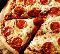 Pizza delicioasa si picanta
