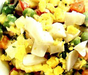 Salata ruseasca cu oua rascoapte
