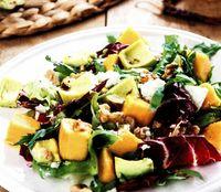 Salata cu avocado si radicchio