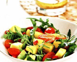 Salata cu mango si cherry