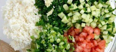 Salata de verdeturi cu pate de nuci