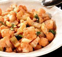 Salata de conopida cu usturoi