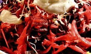 Salata de sfecla rosie cu hrean ras