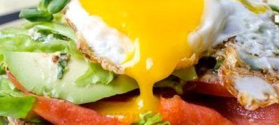Sandwich-uri_cu_somon_afumat_si_ou _04