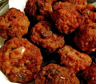 Fried pork meatballs
