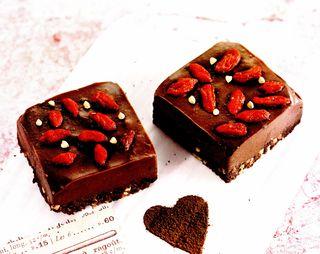 Cuburi de ciocolata cu capsuni
