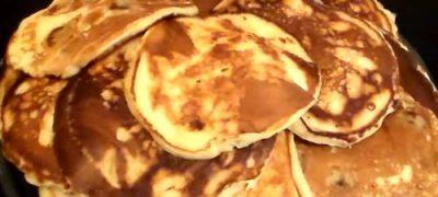 Clătite din făină de quinoa, cu măsline şi fenicul