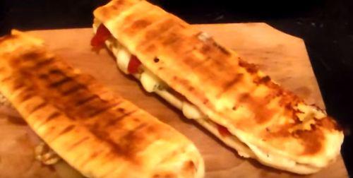Sandvis de omleta cu carne