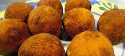 Sesame seed chicken balls