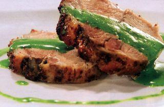 Pulpa de porc cu legume, tarhon si usturoi verde
