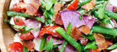 Salata de fasole verde cu bacon