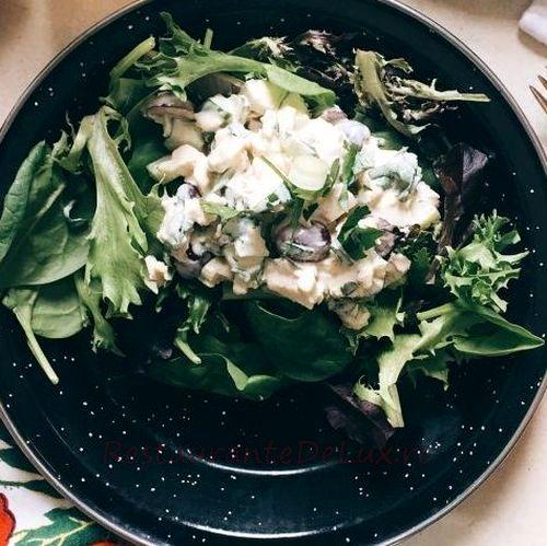 Cum se prepara Salata de pui cu struguri