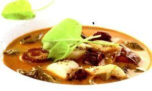 Supă de măcriş cu salată