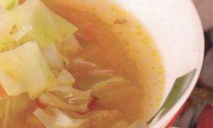 Supă de varză dulce cu crutoane