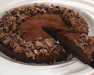 Tort_cu_aschii_de_ciocolata