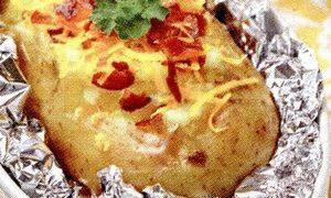 Cartofi_noi_cu_bacon_la_cuptor
