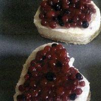 Inimioare dulci cu fructe de padure
