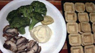 Minitarte cu peste si broccoli