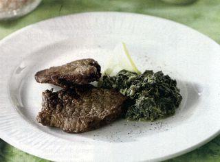 Muschi de vita cu piper si sos de hrean