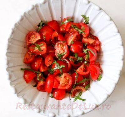 Salata de rosii si iaurt