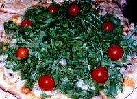Pizza cu rucola si rosii