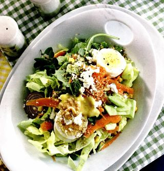 Salata cu sos de maioneza