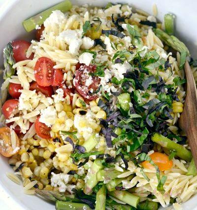 Salata de legume cu parmezan