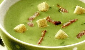 Supă-cremă de spanac cu boia de ardei si busuioc