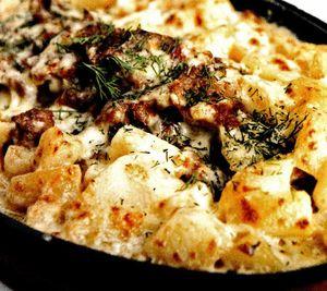 Cartofi_cu_costita_la_tava