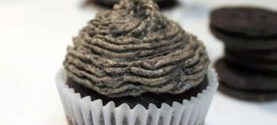 How to Make Chocolate Cupcakes with Oreo Buttercream Frosting