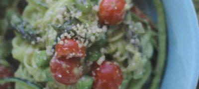 How_to_make_Avocado_Zucchini_Pasta