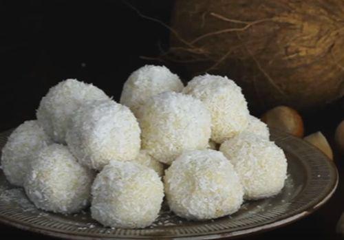 Bombonele cufulgi de cocos