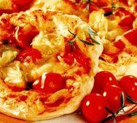 Pizza cu sos de rosii