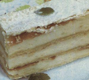 Prăjitură cu cremă de griş si marmeladă