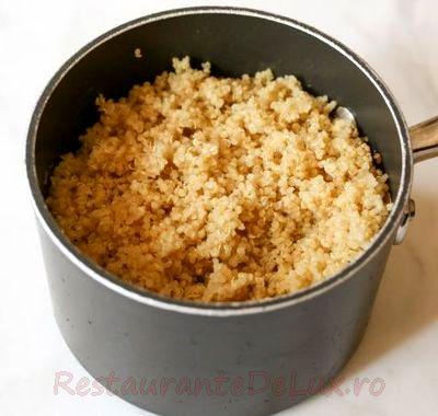 Quinoa_cu_sparanghel_si_lamaie