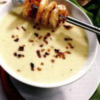 Supa-crema de creveti si morcovi cu fulgi de ardei iute