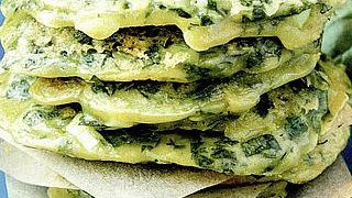 Clatite cu spanac si ceapa verde