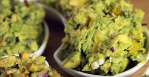 How to Make Delicious Guacamole