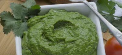 Pesto cu avocado