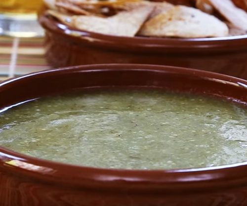 how_to_make_tomatillo_salsa_verde